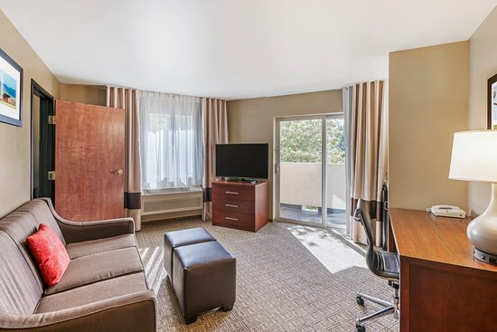 River-View King Suite