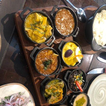 Una excelente opción para quienes quieren conocer la gastronomía peruana , los meseros son muy serviciales