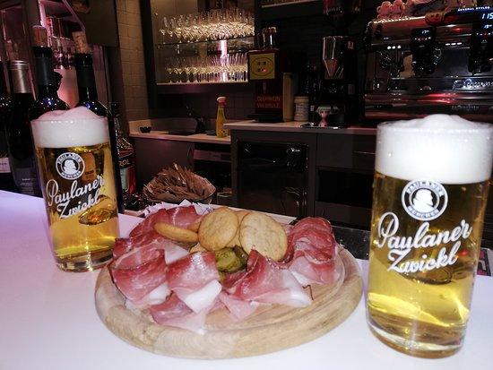 Bar Pub Canton
