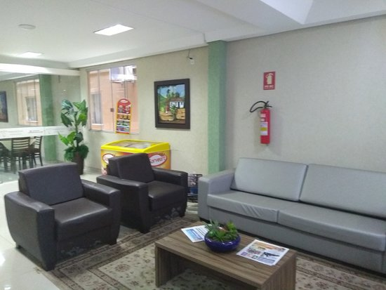 sala de estar principal do hotel
