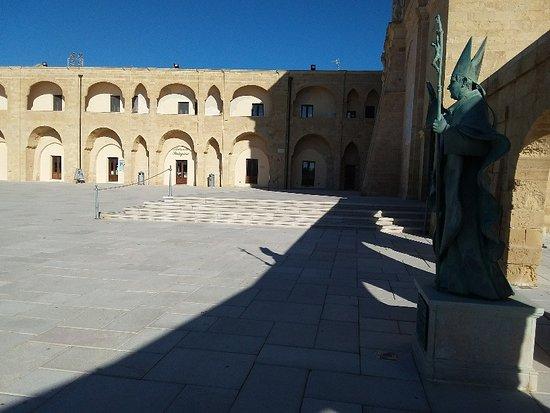 Basilica santuario de finibus terrae in esterno