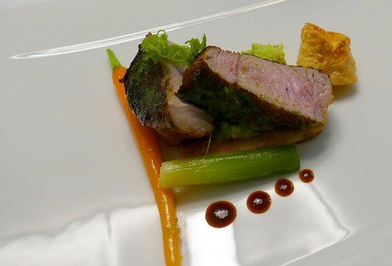 """Restaurant La Regence-Balavaud: Un simple mignon de veau du pays apprêté dans sa version """"porte-feuille à l'Italienne""""......"""