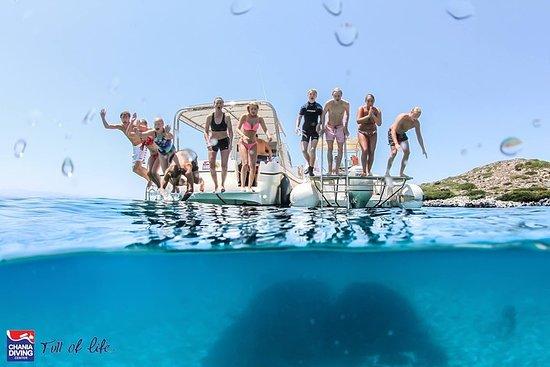 クレタ島でのシュノーケリングとボート旅行
