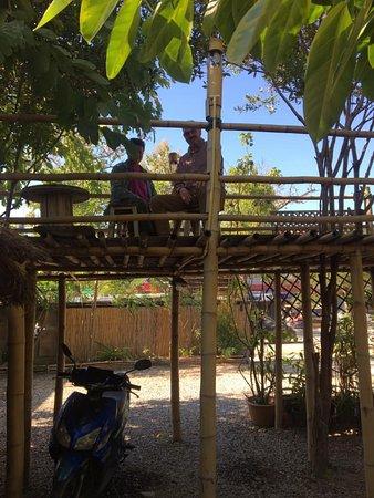 Tachilek, Birma: Outside seating area
