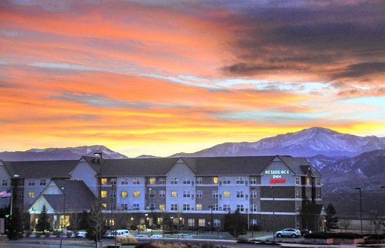 Residence Inn Colorado Springs North/Air Force Academy: Experience the grandeur of Colorado's Front Range during an extended stay at our pet-friendly ho