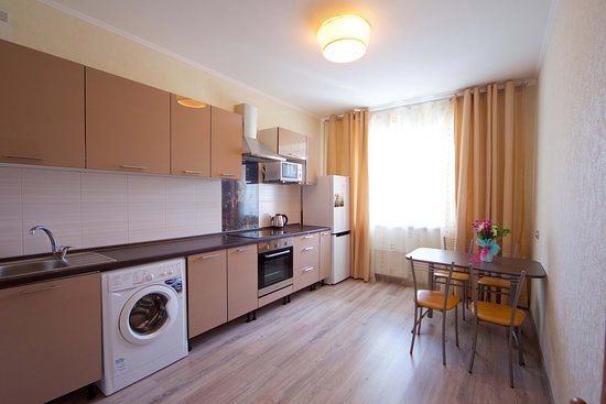Krasnoyarsk Krai, Rusija: Стильная и просторная кухня