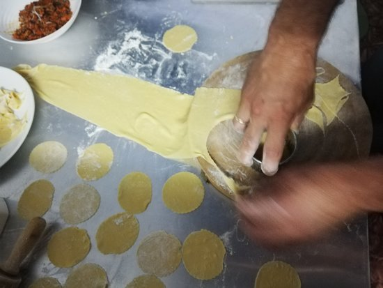 preparazione dei tortellini