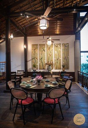 special setting for special guests  #Sadec6 #68ĐặngVũHỷ ---------------- Sadec 6 - Cuisines from the heart of Mekong - Nhà hàng ẩm thực di sản vùng Mekong 68 Đặng Vũ Hỷ, Sơn Trà, Đà Nẵng (https://g.page/Sadec6?) https://m.me/Sadec6 Hotline: 094 149 68 66 https://sadec6restaurant.com Instagram: sadec6danang #MonNgonDaNang #Sadec6 #MekongFood #VietnameseFood #Danang
