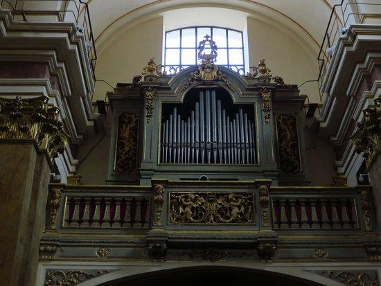 L'organo ottocentesco della controfacciata