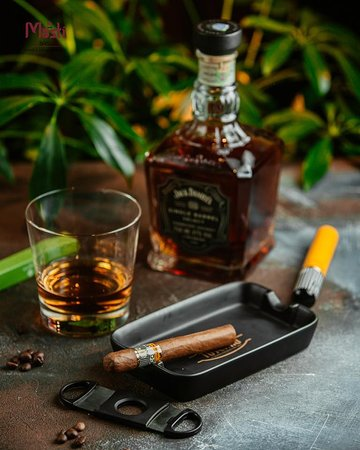 Smoke your cigar slowly, smoothly and relaxedly. Imagine that time has stopped and rest ... ~ Курите сигару неторопливо, плавными и расслабленными тягами. Представьте, что время остановилось и отдыхайте… MASTI BAKU Best indian & lebanese cuisine in Baku! 📍 Boulevard Hotel, Baku, Azerbaijan 📱 +994(50)4420500 🌐 https://mastibaku.az/