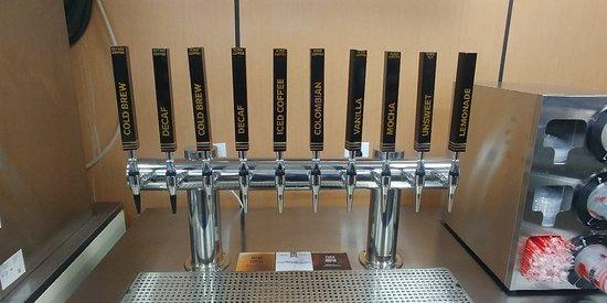Nesconset, État de New York: Tap system for cold brews, iced tea, and lemonades.