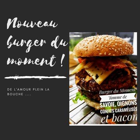 Burger du Moment !!!  Tomme de Savoie, poitrine fumée de Querrien, plein d'amour, steak de 125 gr façon bouchère Bretonne etc etc .... Bon app ;)