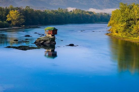 BEZOEK SERVIË: The Drina River House ...