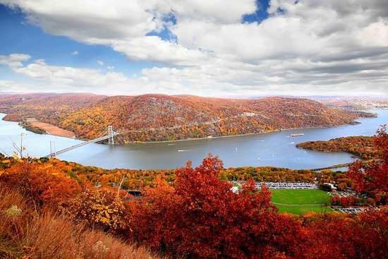 Charter privato di elicotteri Hudson Valley Fall Foliage da Manhattan