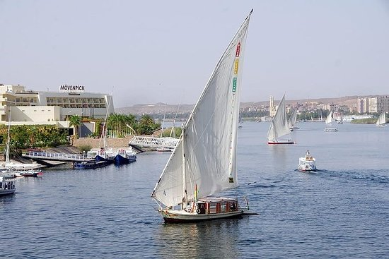 Foto Botanical garden with Felucca ride on Aswan Nile River