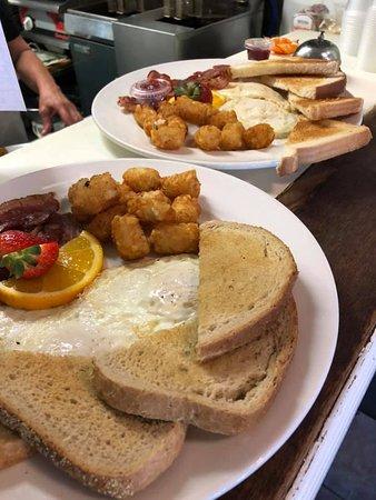 Stevensville, Kanada: Breakfast served on Sunday mornings