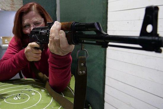 プライベートツアー:AK-47シューティングクラスとプロの英語を話すインスト…