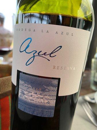 Excelente comida. Gran vino el Azul Reserva. Una sorpresa.