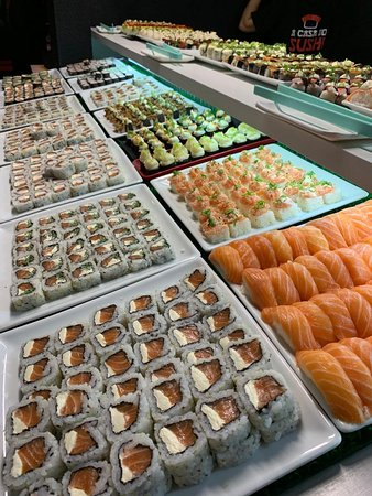 Nosso buffet conta com mais de 30 opções de sushi.