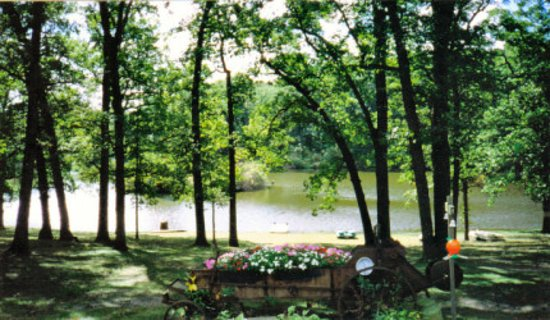 Crete, IL: Emerald Trails Campground is close enough to Chicago, far enough away to relax and only 1/2 mile from the Indiana State Line. Open Year Round, Enjoy a true country setting,  peace and quiet featuring  full service RV camp sites for 30 & 50 amp plus pop up & tent camping. Restrooms, Showers, & Laundry Room. Hiking, fishing on our own Jewel Lake, playground & basketball. Paddle boats can be rented. Call 708-672-8700 for info.