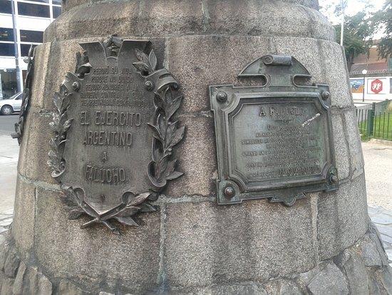 Monumento a Falucho