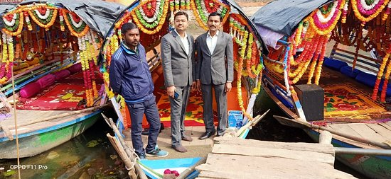 It was very nice today, Ram Naresh is a very good man, his boat is also very good, the way of speaking and talking is with him.