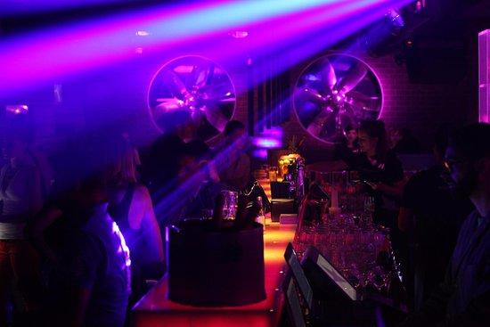 Ascona, Suiza: Club Seventy7