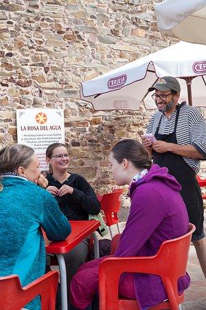 El Acebo de San Miguel, Испания: Owners are Pilgrims who are serving Pilgrims.