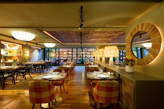 Restaurante La Palmera Del Indiano Picture Of Barcelo Oviedo Cervantes Oviedo Tripadvisor