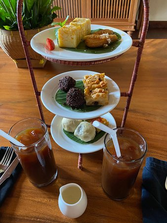 Complimentary afternoon tea at room