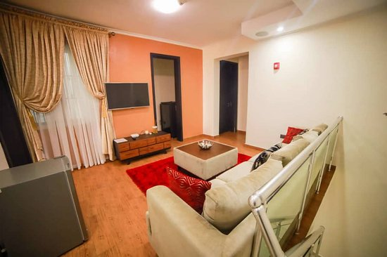 Exquisitely furnished luxurious 4bedroom apartment right at the heart of Lagos for ur comfort stay. Home away from home. Your comfort our focus
