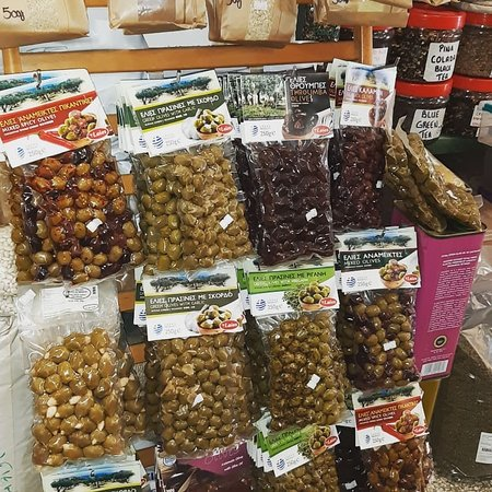 Many different varieties of Greek olives