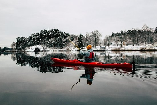 Kajakfahren auf dem Winterarchipel