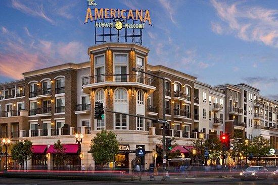 Sunday 9:15 Morning Yoga @ Americana + Bruch @ Local Bakery + LA Quiz