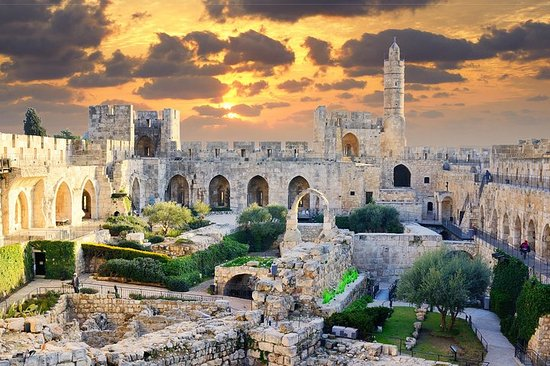 Private full-day tour in Israel w...