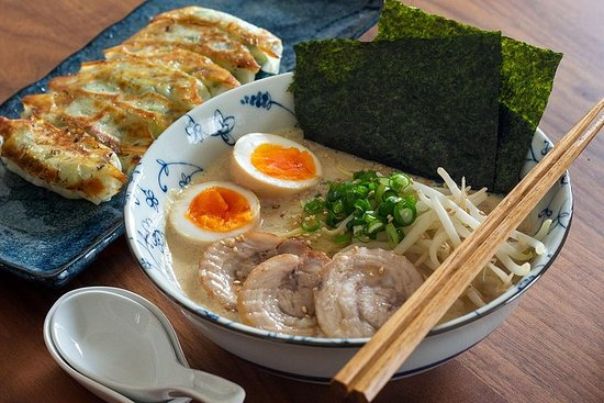 Cuisiner Ramen et Gyoza Homestyle à partir de zéro
