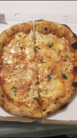Pizza davvero buona!