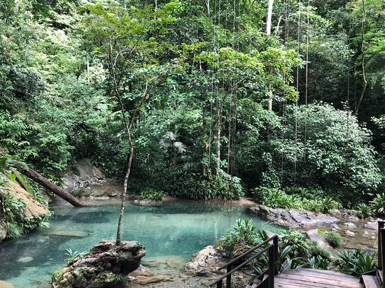 Santo Tomas de Castilla, Guatemala: Pools below the waterfall.