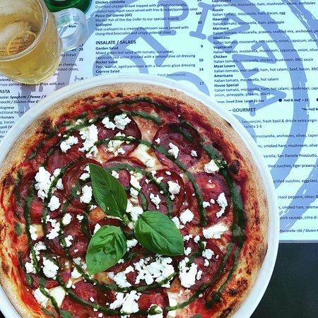 Back by demand ❤️ PIZZA SORRENTO ❤️ Italian tomato sauce, Casalingo hot salami, Buffalo mozzarella, fresh house made Pesto & Danish feta 😍