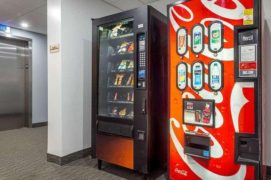 Pikogan, Canada: Hotel vending area