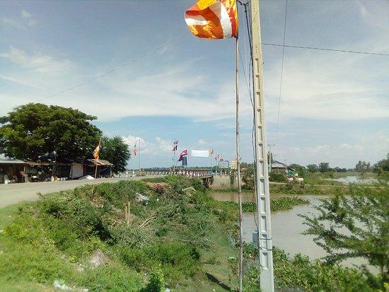 Takeo, Kambodža: ボート発着場です。