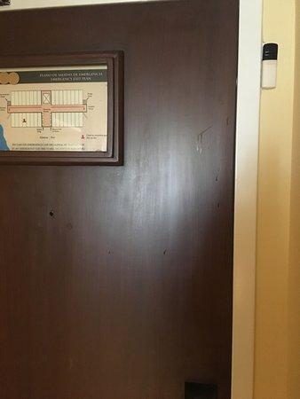 Manchas en la puerta