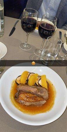 Bateaux Parisiens Seine River Gourmet Dinner & Sightseeing Cruise – fotografija