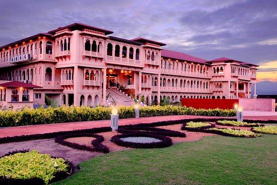 Holiday Village Resort