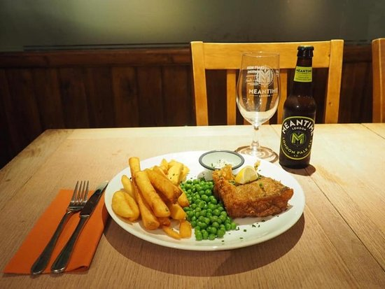 Fish & chips with minted peas