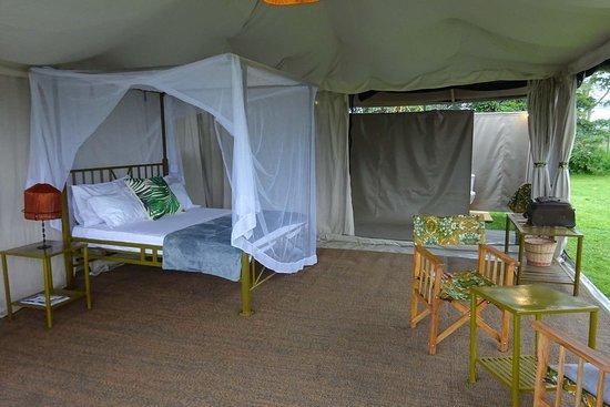 Nje ya selous camp
