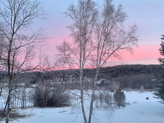 Pink skies at night, sailors delight, or skiers, hikers, golfers or mountain bikers.