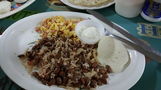 Matagalpa Department, Nicaragua : Traditional breakfast, or Bacon n Eggs, German potatoes, whole wheat bread, FREE
