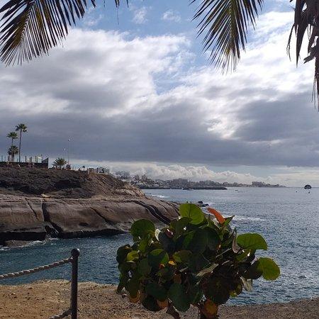 Costa Adeje, Španielsko: Stormy Skies 😎😎
