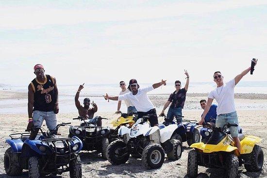 骑摩托车沙滩和新龙虾港